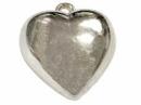 Prívesok s kovoým efektom  - srdce